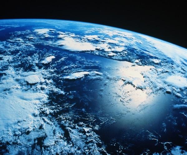 Idade Jovem para a Lua e a Terra